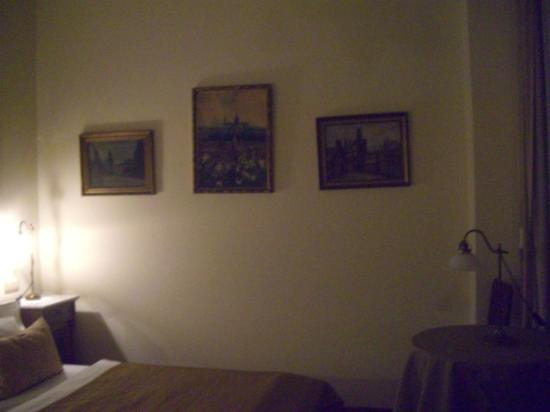 Grand Hotel Praha: art in room