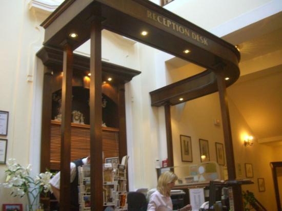 Grand Hotel Praha: reception