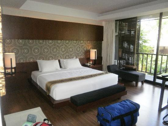 Le Grande Bali: Massive Bed