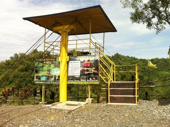 Delta Discovery Park: the 400m long zip line.
