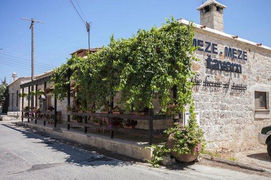 Meze Meze Tavern
