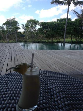 Le Grande Bali: Pina Colado anyone