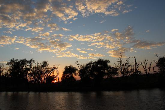 Samburu Game Lodge: Sunrise viewed from the room