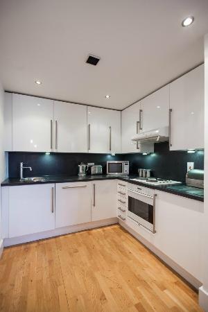 KSpace Serviced Apartments : Studio Kitchen