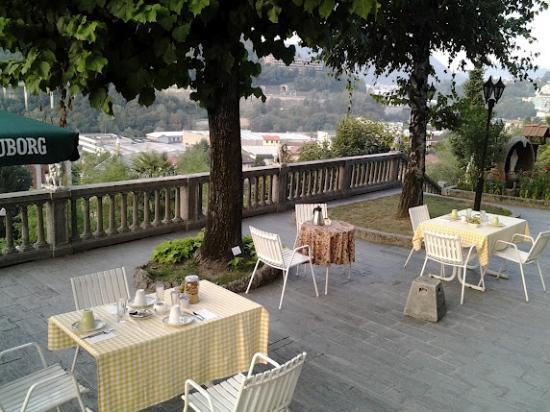Il Giardino Botanico Bed and Breakfast: La terrazza dove (meteo permettendo) si fa colazione