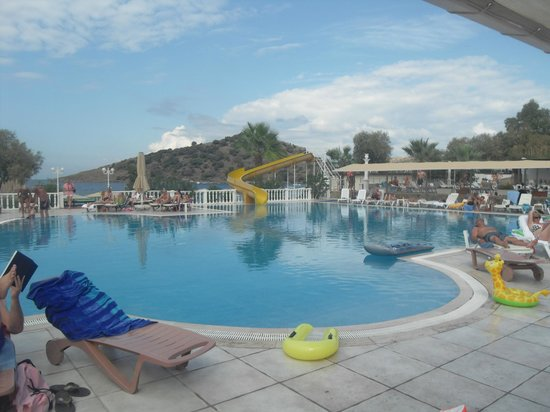 Golden Age Hotel: main pool
