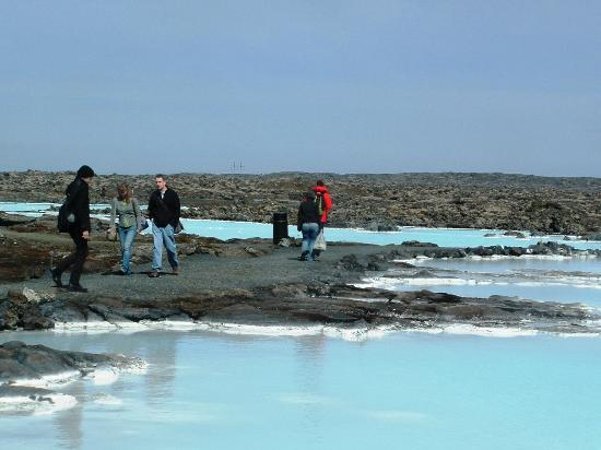 Blue Lagoon Iceland: Paths over the lava