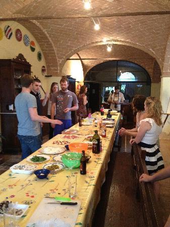 Agriturismo San Fabiano : Rehearsal pizza extravaganza