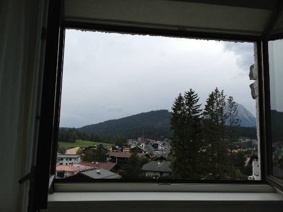Hotel Berghof: Blick von der Wohnküche aus über Seefeld