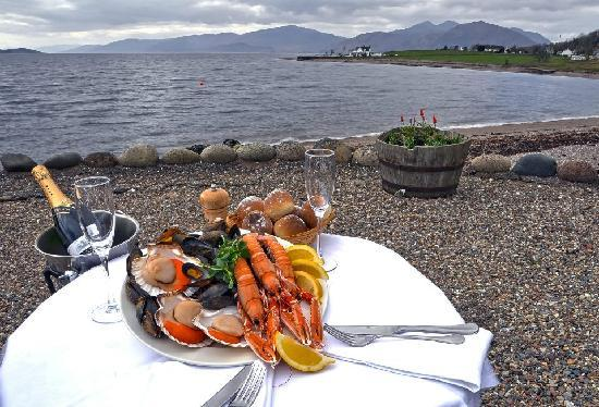 Onich Hotel : Dine in the stunning setting of Loch Linnhe