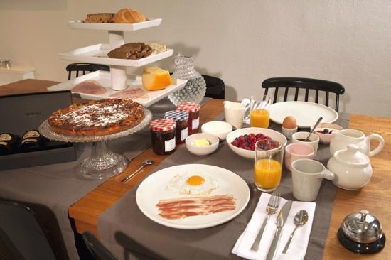 Bed and Breakfast Sleep With Me: Breakfast