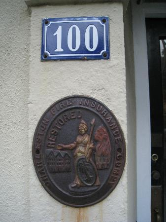The History of Charleston Walking Tour : Fire insurance plaque
