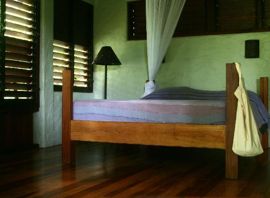 Playa Nicuesa Rainforest Lodge: Bed