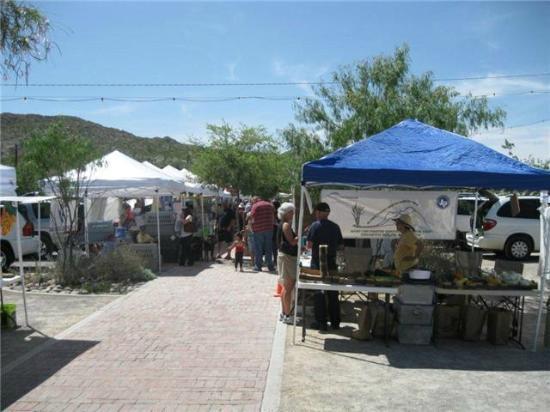 Ardovino's Desert Crossing: Farmer's Market lane