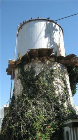 Ardovino's Desert Crossing - Mecca Lounge: Water tower at Ardovino's