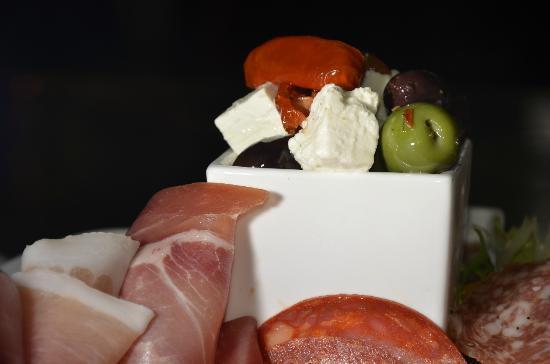 Fat Olives brasserie: Olives & Feta