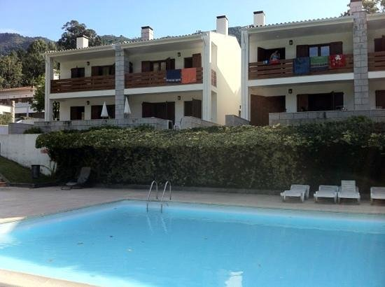 Geres Albufeira Apartamentos Turisticos : Vista da piscina