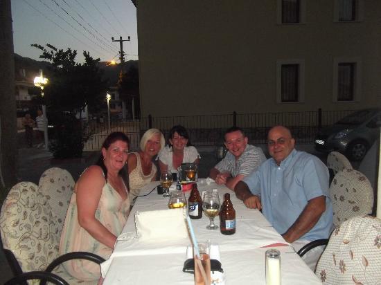 sidiks family restaurant : sidiks restaurant icmeler 2012