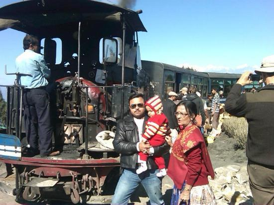 Darjeeling Himalayan Railway: Me Guddu and Mom in front of Dipa and Guddu in front of Toy Train
