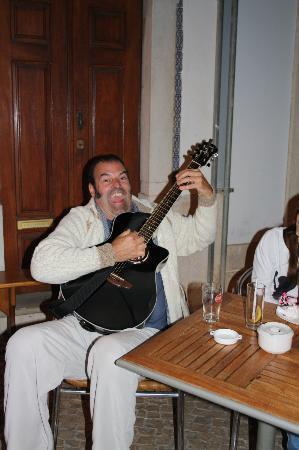 Cafe-Bar O Cota: Good Music and a lot of Fun!
