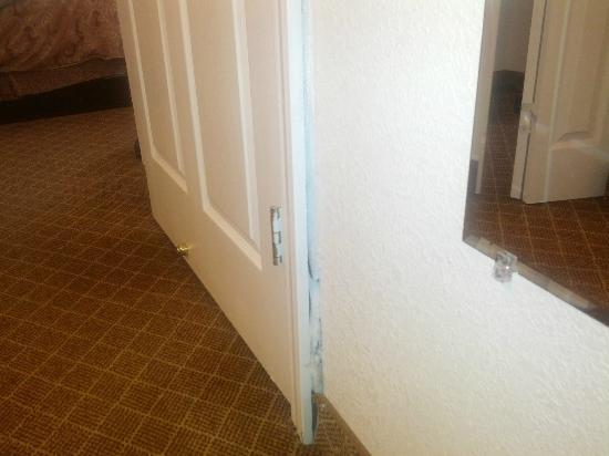 Staybridge Suites Philadelphia - Mt Laurel: Door frame