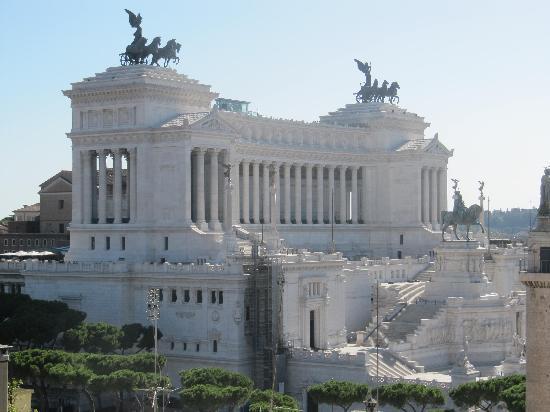 Residenza Torre Colonna: Victor Emmanuel Monument