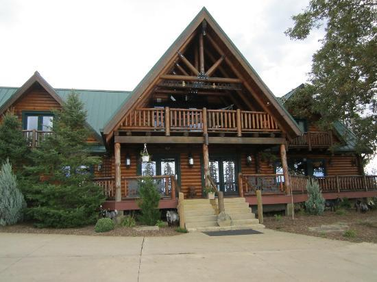 Pine Lakes Lodge B&B Resort and Conference Center: Lodge entrance