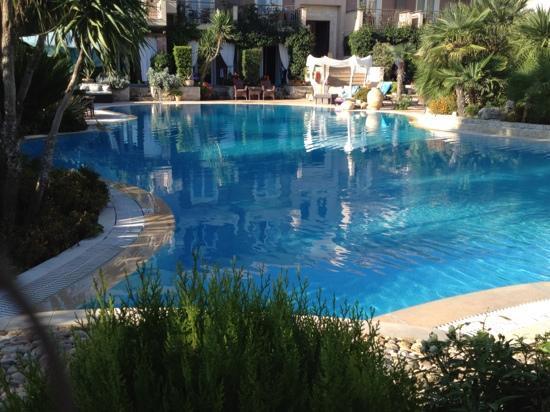 Achtis Hotel: view whilst having breakfast