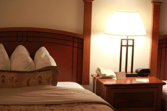 Staybridge Suites Philadelphia - Mt Laurel: One of the bedrooms