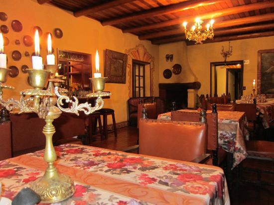 Hacienda- Hosteria Chorlavi: sala pranzo