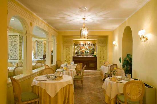 Hotel Tuder: Lounge bar