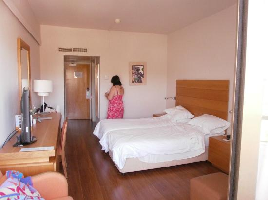 Alion Beach Hotel: Hotel Room, Air-conditioned