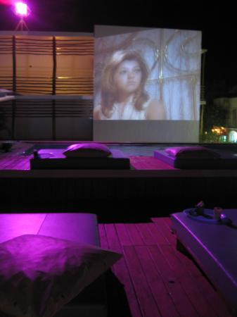 Deseo Hotel: projected movies every night