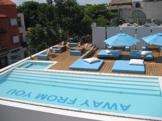 Deseo Hotel: pool by day