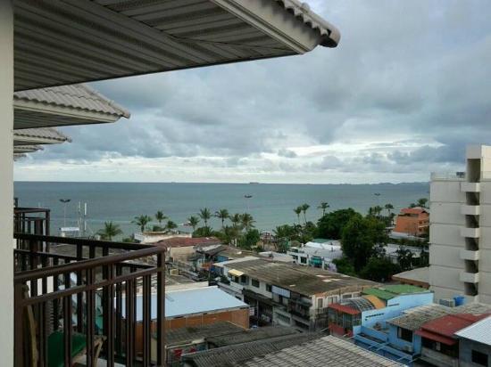 Discovery Beach Hotel Pattaya Reviews