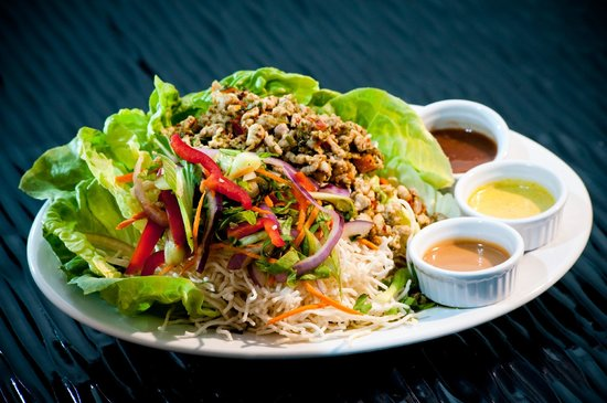 Elements Restaurant at Riverwoods : Thai Lettuce Wraps