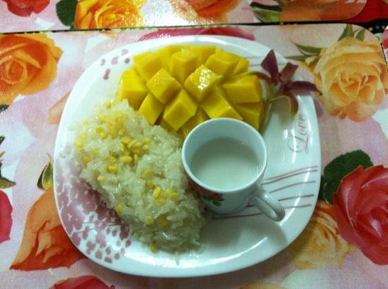 Kwong Shop Seafood: sticky rice with mango