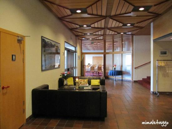 Hotel Borgarnes: Zona de relax anexa al comedor