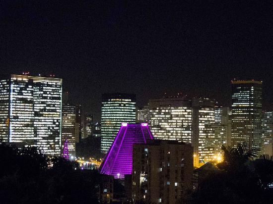 Bossa in Rio Hostel: vista nocturna desde la suite master.