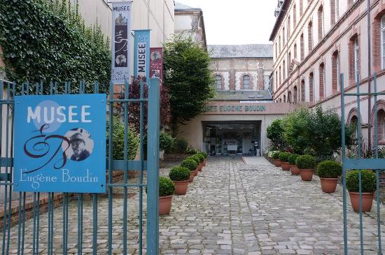 Musée Eugène Boudin : Entrée