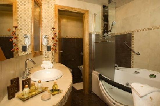 Bahia Paraiso: Baño Suite