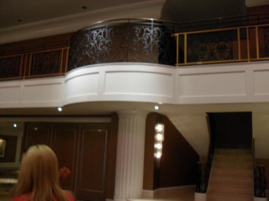 Hilton Philadelphia City Avenue: Balcony in Garden Ballroom
