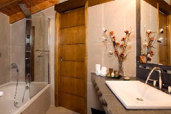 Bahia Paraiso: Baño Departamento