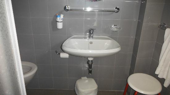 Hotel Armstrong: bagno