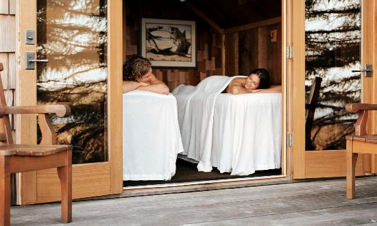 Wickaninnish Inn and The Pointe Restaurant : Couples Massage