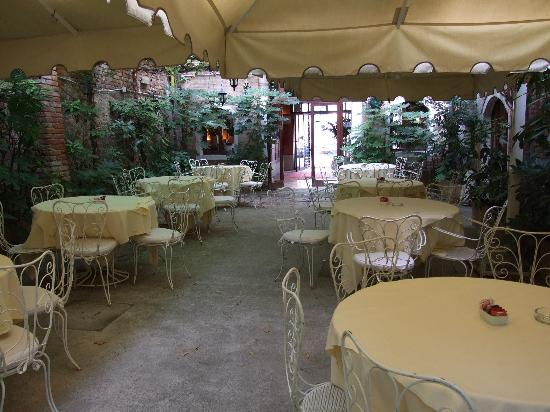Hotel Al Sole: Breakfast Garden