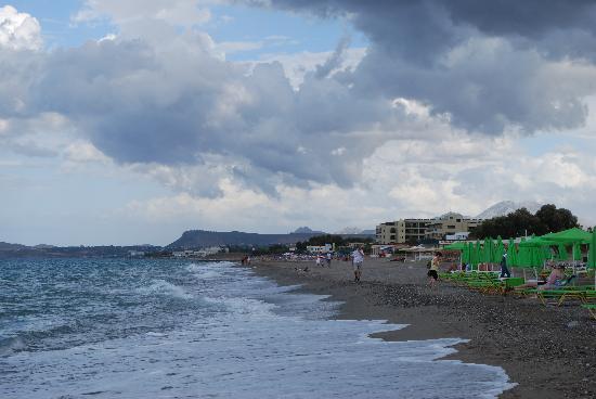 Golden Beach Hotel: plaża i brezg morza przy hotelu
