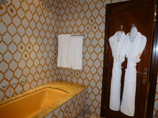 Hotel Juana : A lovely example of 70's kitsch tiling