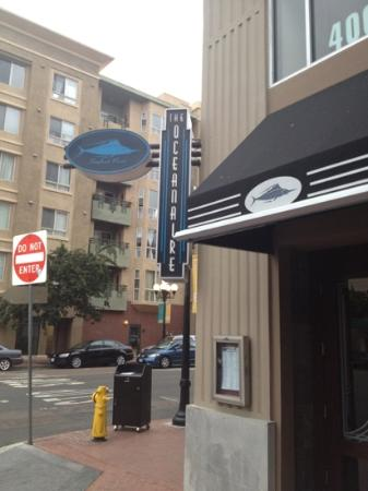 The Oceanaire Seafood Room : corner entrance a few blocks from Petco Park