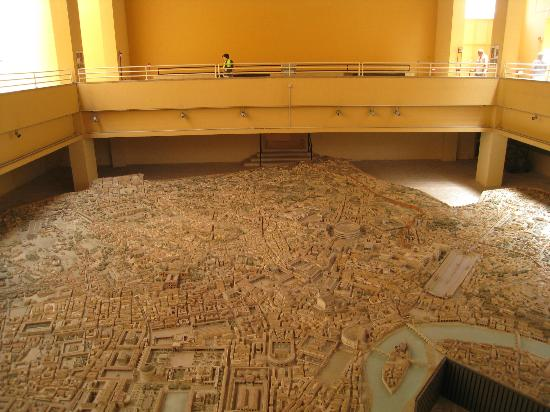 Museo della Civilta Romana: huge model of ancient rome (see my son on the walkway)
